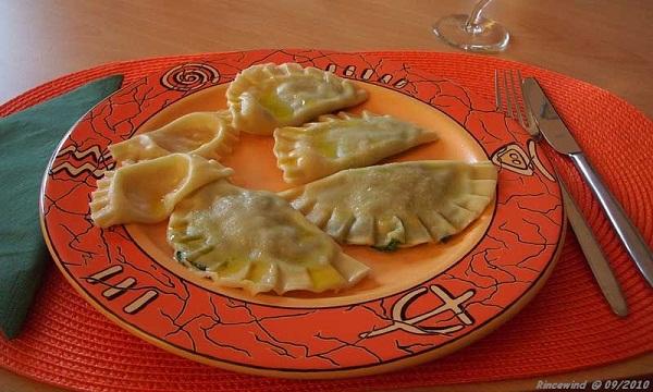 Mezzelune mit Spinat- und Schinken-Frischkäsefüllung 2