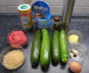 Zutaten für Zucchini mit Joghurtsauce